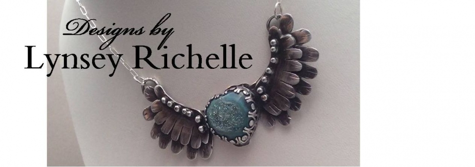 Designs by Lynsey Richelle Banner